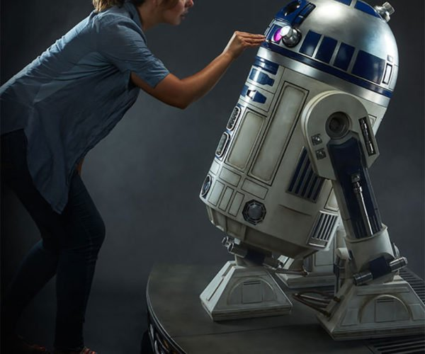 r2-d2-life-size-3