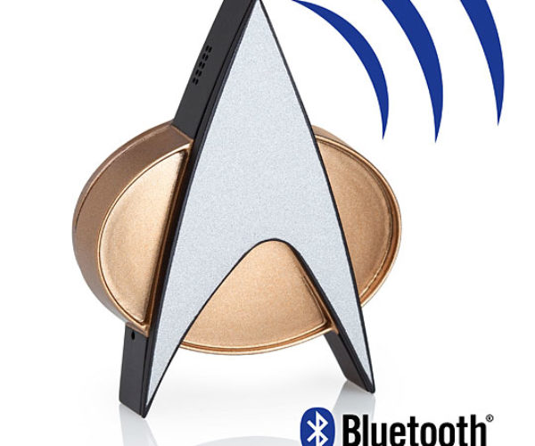 Star Trek TNG Bluetooth ComBadge: Beam Me Up, Siri.