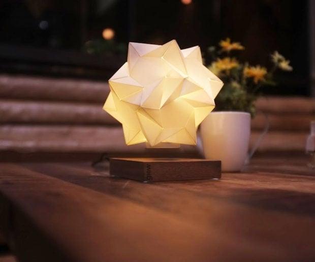 glow_levitating_lamp_1