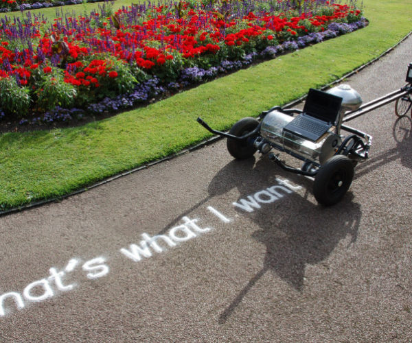 Skryf Robot Prints Messages with Sand