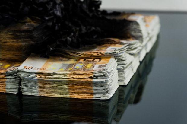 burning_money_table_3