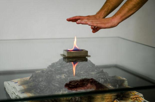 burning_money_table_5