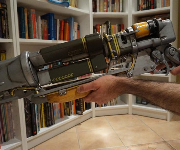 Fully-functional Fallout 4 Laser Rifle Still Won't kill Preston Garvey