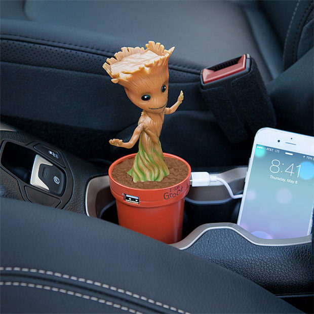groot_car_charger_1