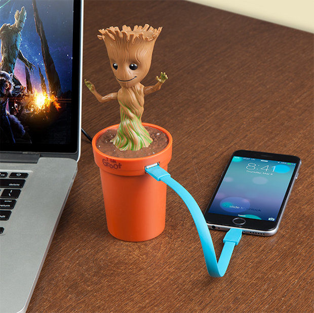 groot_car_charger_3