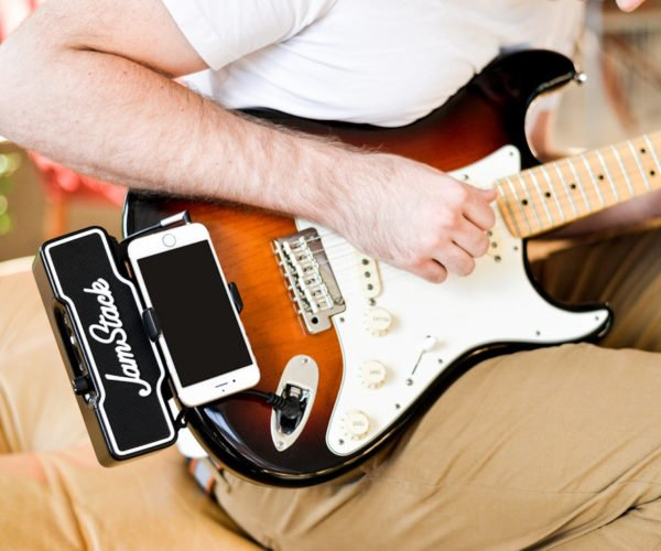 The Jamstack Is an Attachable Guitar Amplifier