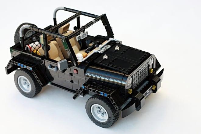 Jeep Wrangler Ideas >> LEGO Jeep Wrangler Rubicon: A Block Made of Blocks - Technabob