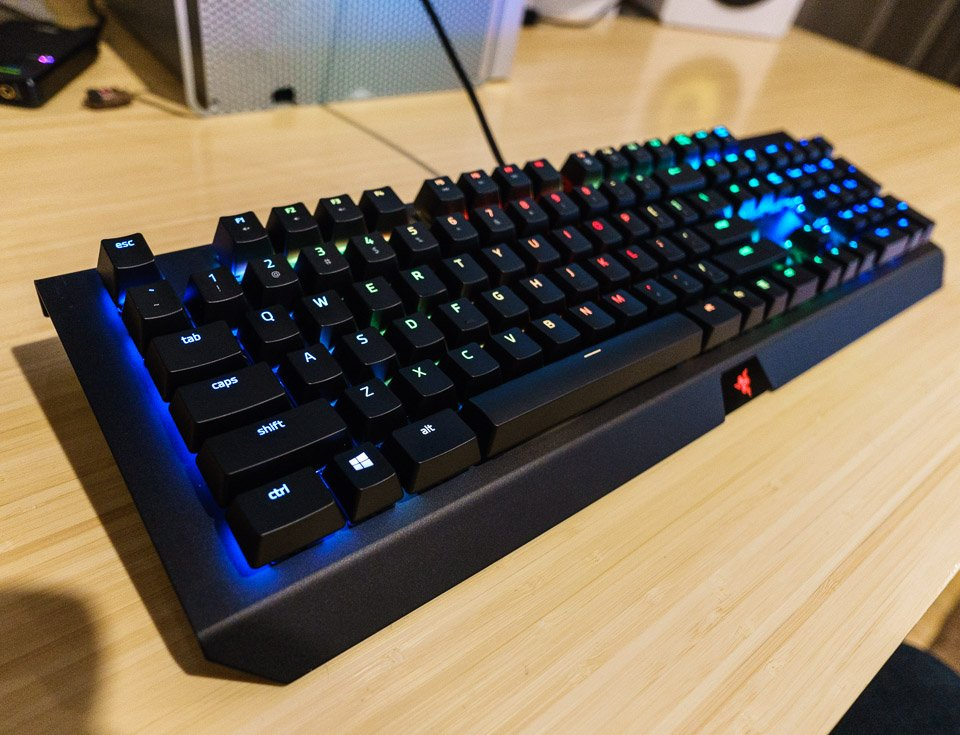 razer_blackwidow_x_chroma_keyboard_2
