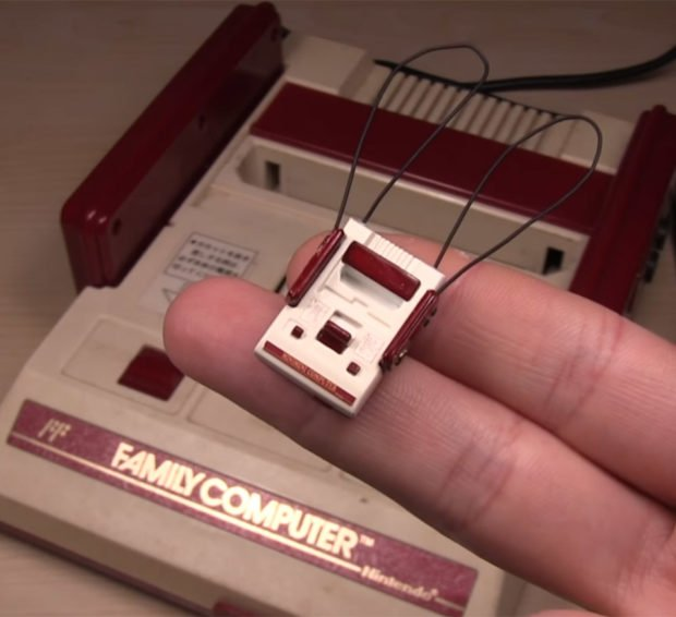 tiny_famicom_miniature_1