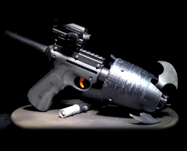 batman_grappling_hook_gun_1