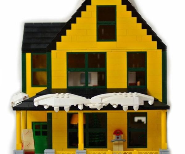 A Christmas Story LEGO House Deserves a Major Award