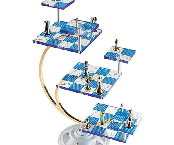Star Trek Tridimensional Chess Set is Too Complex for Humans