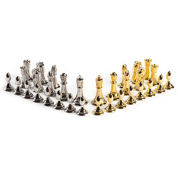 Star trek tridimensional chess set is too complex for humans technabob - Tri dimensional chess board ...
