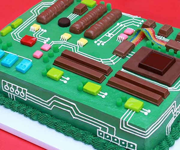 Learn How to Make a Motherboard Cake