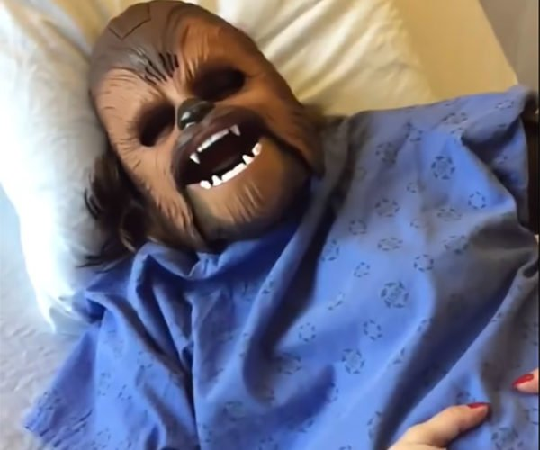 Woman Wears Chewbacca Mask During Labor