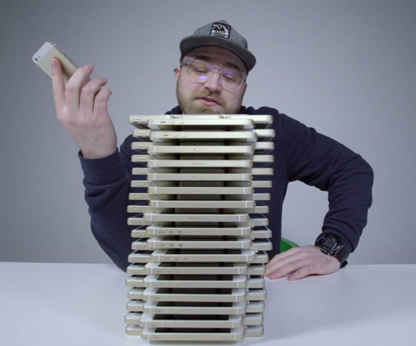 iPhone Jenga Is the Most Expensive Jenga Tower Ever