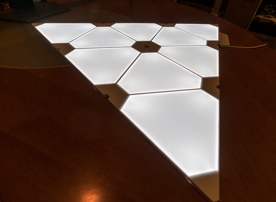Review Nanoleaf Aurora Light Panels
