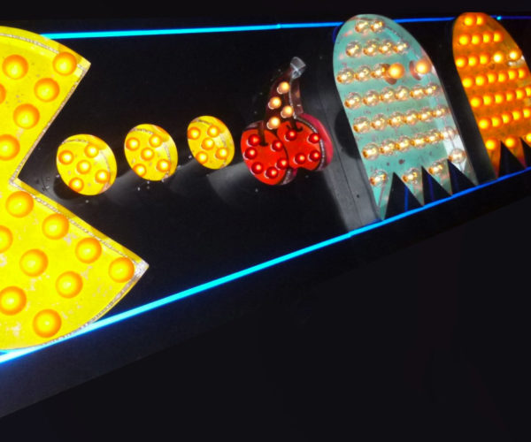 These Pac-Man Vintage Marquee Lights Are Driving Me Crazy