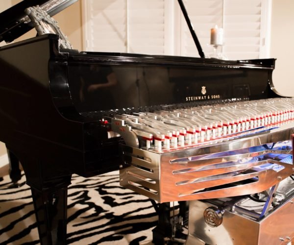 Arpeggio Robotic Piano Player Tickles the Ivories