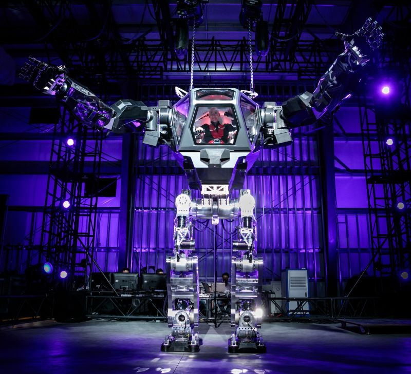 Jeff Bezos Tests out Gigantic Robot Suit