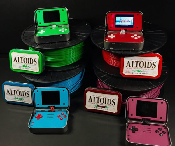 mintyPi: Handheld Gaming Inside Altoid Tins