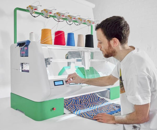 Kniterate Personal Knitting Machine Will Put Grandma out of Business
