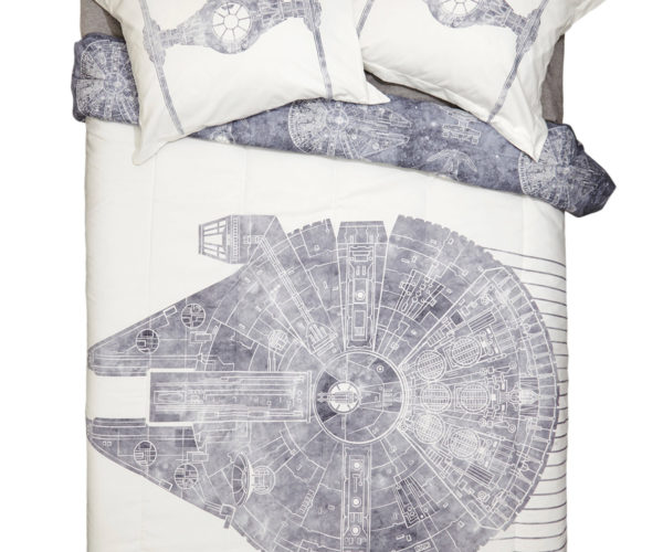 Millennium Falcon Bedding is Perfect for Cold Nights on Hoth