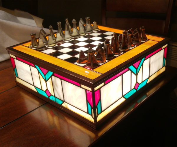 Stained Glass Chess Set: Classy and Glassy