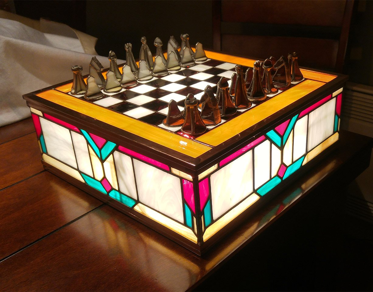 Stained Glass Chess Set: Classy and Glassy - Technabob