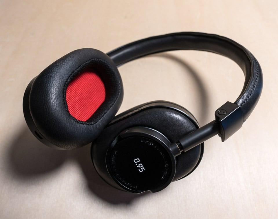 46c76b22e34 Master & Dynamic x Leica 0.95 MW60 Wireless Headphone Review