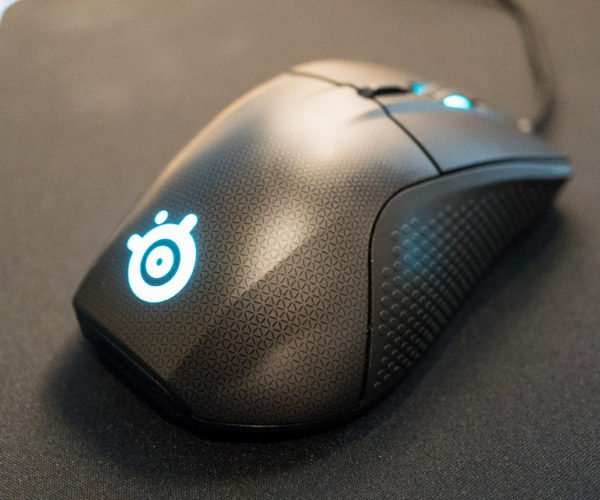 SteelSeries Rival 700 Gaming Mouse Review: King of the Mouse Hill