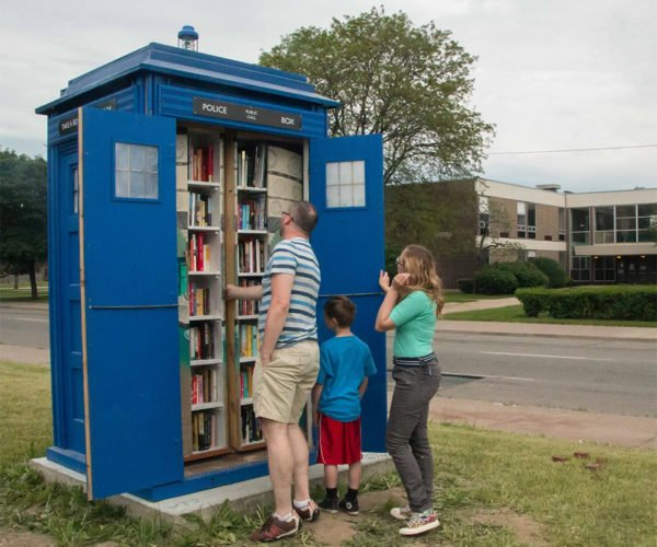 Doctor Who TARDIS Free Library is Smarter on the Inside