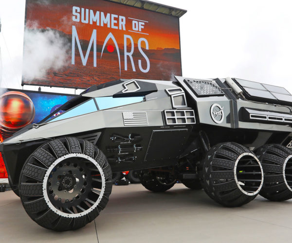 NASA Shows off Cool Rover Concept Vehicle