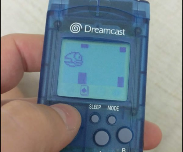 Flappy Bird is Back… On a Dreamcast Memory Card