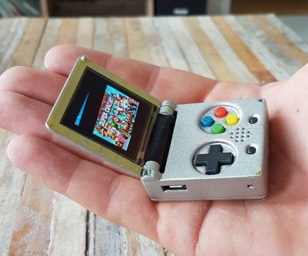 This Keychain-Sized Game Boy Emulator Actually Works