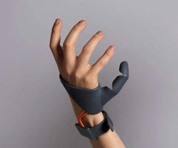 Third Thumb Prosthetic Gives You an Extra Functional Thumb