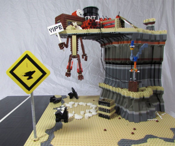 Road Runner vs Wile E. Coyote LEGO Build: Beep Beep Zip Bang!