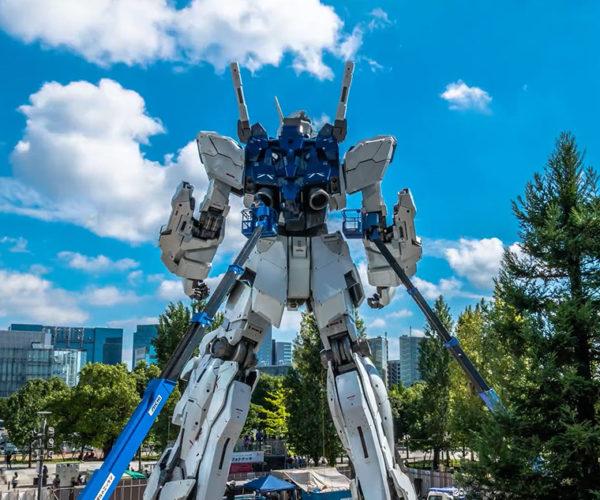 Tokyo's Giant Gundam Unicorn Nearly Complete!
