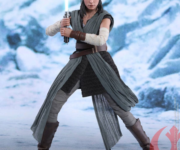 Hot Toys Star Wars: The Last Jedi Rey 1/6 Action Figure: Show Her a Place in Your Shelf