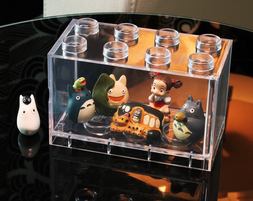 T-BRICK: Display Your Toys INSIDE a LEGO - Technabob