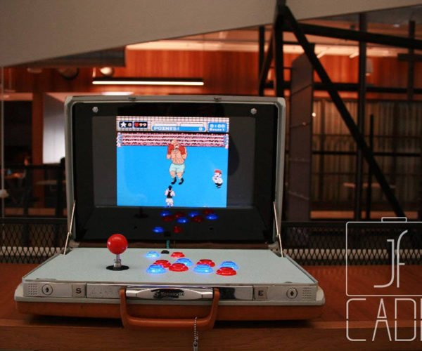 These Briefcase Arcade Machines Let You Tote a Personal Arcade Everywhere