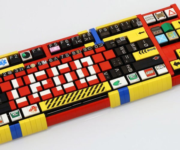 LEGO Mechanical Keyboard: Clicking Things Is Awesome!
