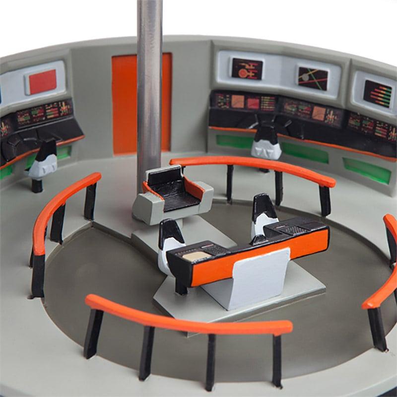 Star Trek Bridge Lamps Operate At Light Speed Technabob