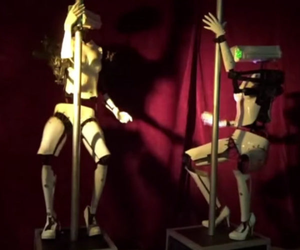 Robot Exotic Dancers Debut at Las Vegas Gentlemen's Club