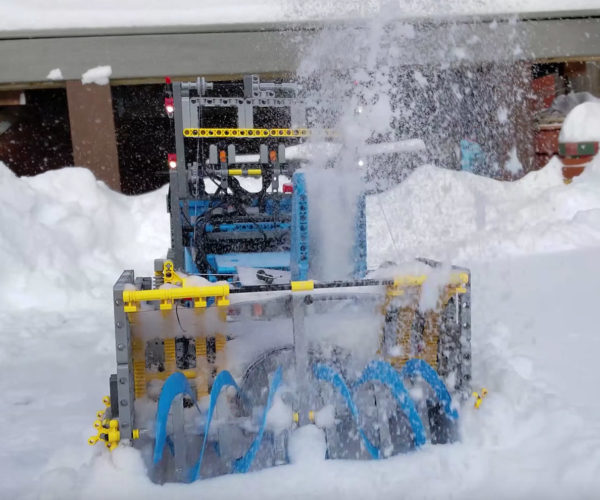 Northerners Need This LEGO Snowblower