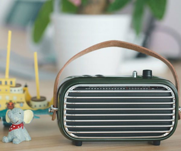 This Retro Bluetooth Speaker Looks Straight out of the 1950s