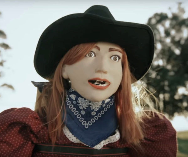 Simone Giertz Builds a Westworld Robot