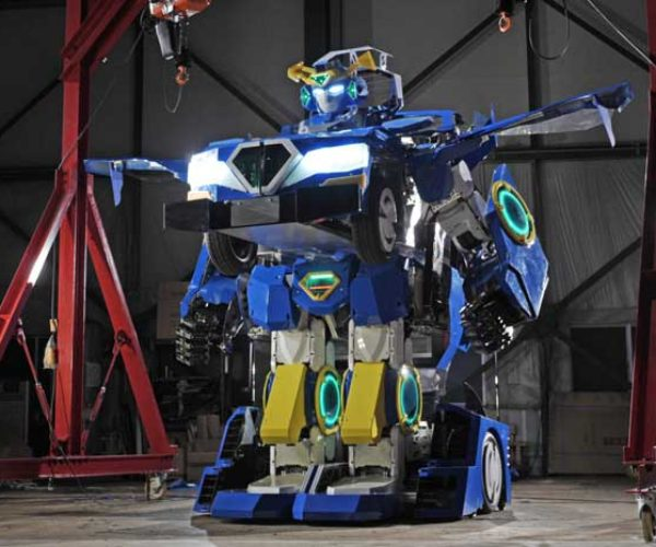 "Real Working ""Transformer"" Can Turn from Car to Robot with People Inside"