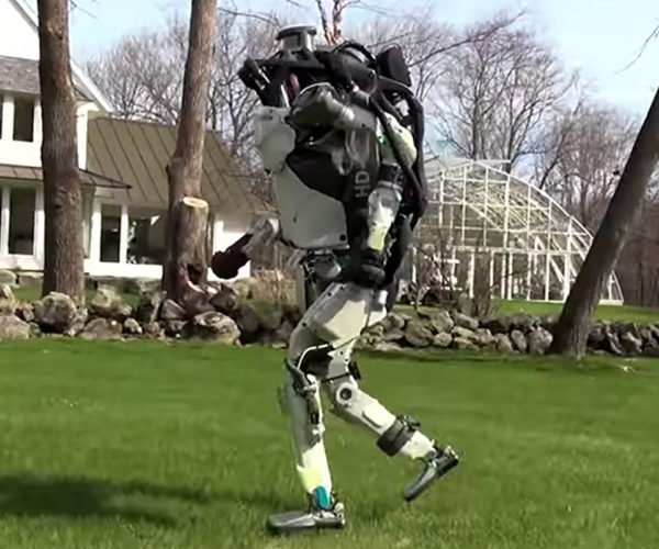 Boston Dynamic's ATLAS Robot Escapes