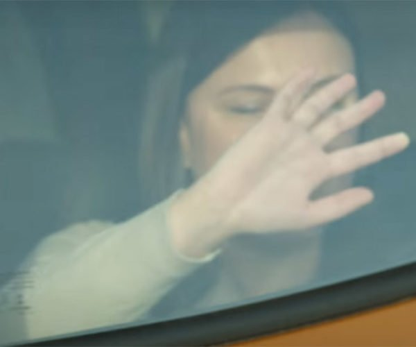 Ford's Smart Window Display Lets the Blind Feel the View